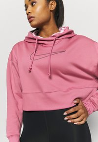 Nike Performance - ALL CROP - Jersey con capucha - desert berry/black - 5