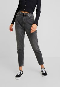 Topshop - MOM - Džíny Relaxed Fit - washed black - 0