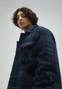PULL&BEAR - Fleece jacket - dark blue - 4