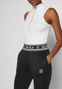SIKSILK - PRESTIGE TRACK PANT - Tracksuit bottoms - black - 4