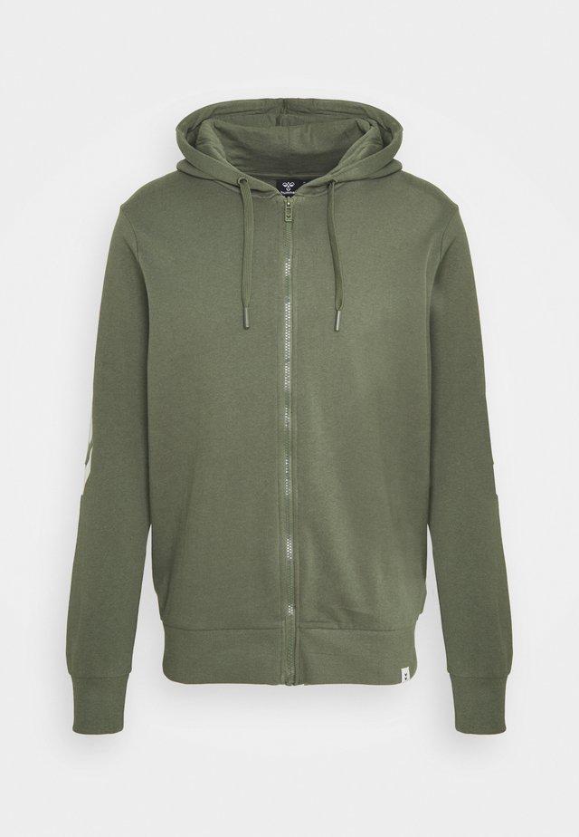 HMLLEGACY ZIP HOODIE - Zip-up hoodie - beetle