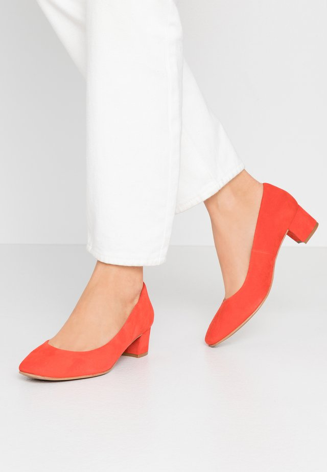 WIDE FIT AINARA - Pumps - red pop