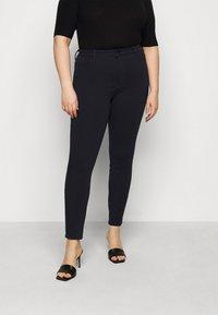 Tommy Hilfiger Curve - ANKLE SCULPT - Jeans Skinny Fit - desert sky - 0