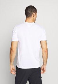 Oakley - BARK - T-Shirt print - white - 2