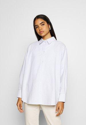 EDYN OXFORD - Button-down blouse - blue/white