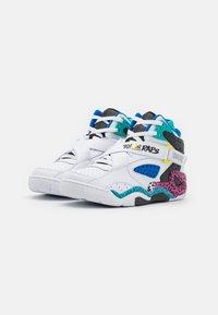 Ewing - ROGUE X YO! MTV RAPS - Höga sneakers - white - 1
