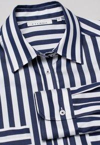 Eterna - Button-down blouse - marine/weiß - 3