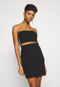 Karl Kani - TAPE TUBE - Top - black - 0