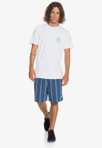 Quiksilver - FUTURE WAVES - Print T-shirt - white - 1
