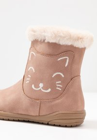 Friboo - Classic ankle boots - rose - 2