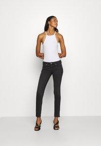 Tommy Jeans - SOPHIE ANKLE ZIP  - Jeans Skinny Fit - bird black - 1