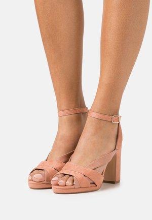 Sandalias con plataforma - rose gold