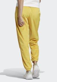 adidas Originals - CUFFED SPORTS INSPIRED PANTS - Teplákové kalhoty - coryel - 1