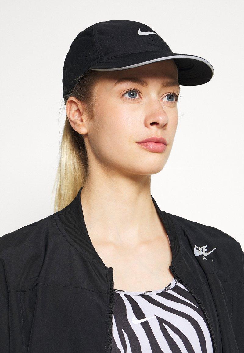 Nike Performance - RUN - Casquette - black