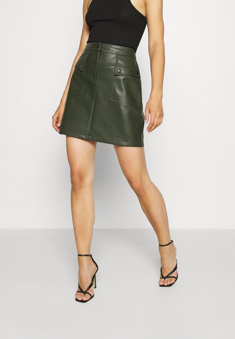 Vero Moda - VMPAULINA  - Minisukně - khaki