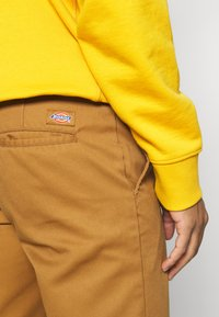 Dickies - Shorts - brown duck - 5