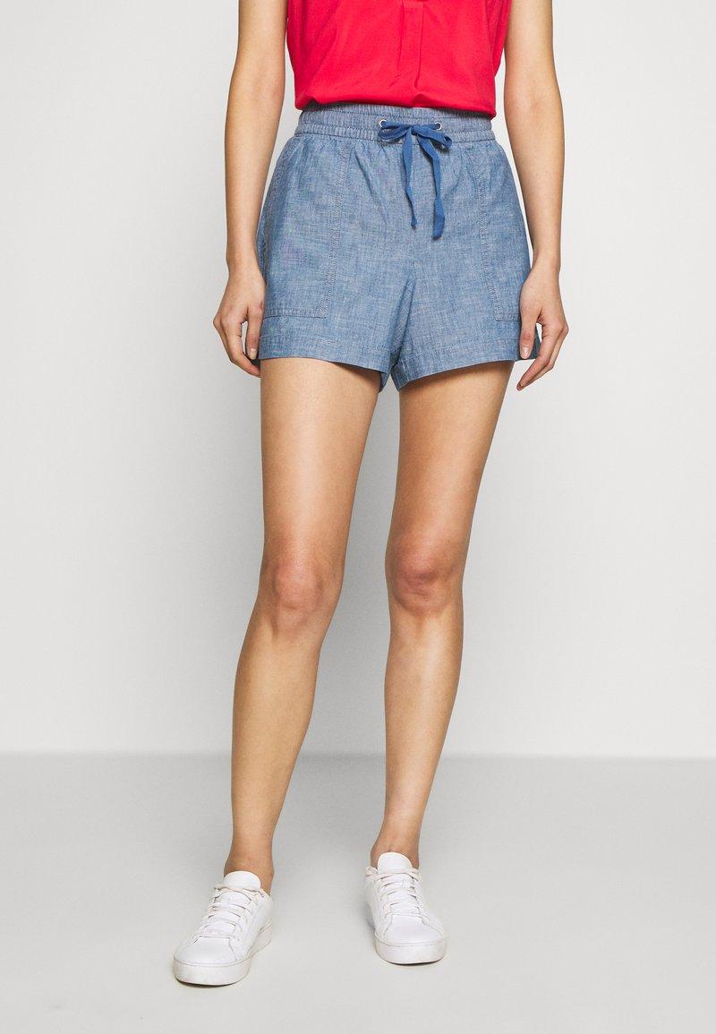 GAP - V-PULL ON UTILITY - Shorts - blue chambray
