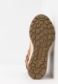 ECCO - EXOSTRIKE KIDS - Šněrovací kotníkové boty - amber - 5
