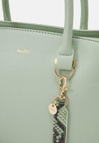 ALDO - PINKA - Käsilaukku - bok choy - 4