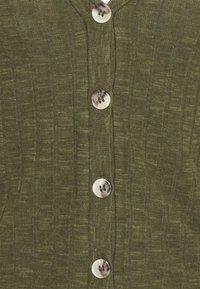 Vero Moda - VMADA  - Cardigan - ivy green - 2