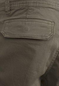 Urban Classics - JOGGING - Cargo trousers - olive - 3