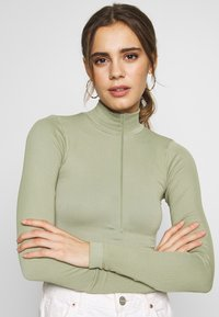 BDG Urban Outfitters - ZIP FUNNEL - Long sleeved top - green smoke - 4