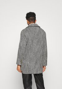 Gina Tricot - LINNEA COAT - Classic coat - black/white - 2
