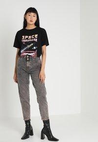 TWINTIP - T-shirt med print - black - 1