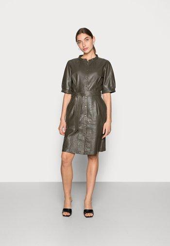 ANAISE DRESS - Shirt dress - tarmac