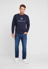 GANT - LOCK UP CREW NECK - Sweatshirt - evening blue - 1