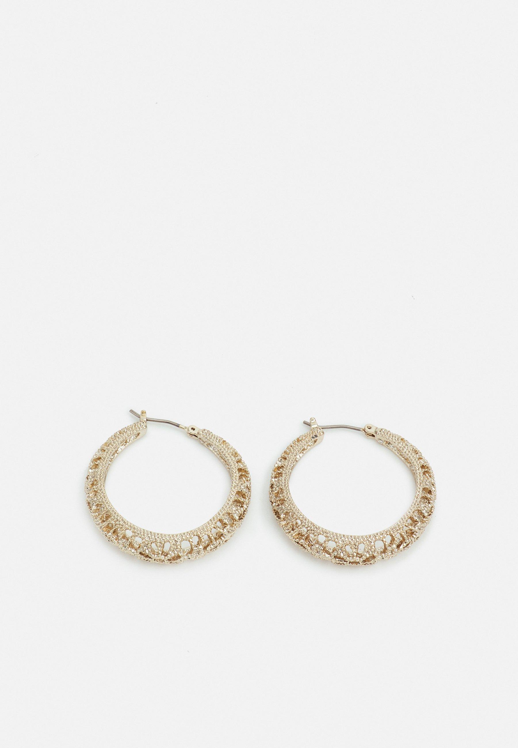Women FILIGREE CUTOUT HOOP - Earrings