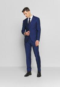 Tommy Hilfiger Tailored - PIECE WOOL BLEND SLIM SUIT - Garnitur - blue - 1