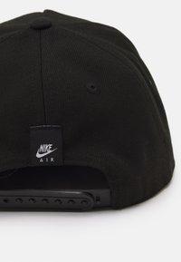 Nike Sportswear - STRIPE SNAPBACK UNISEX - Pet - black - 4