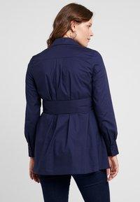 IVY & OAK Maternity - MATERNITY FLARED - Camicia - winter true blue - 2
