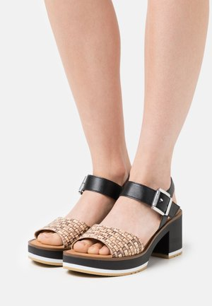 Platform sandals - natur/schwarz
