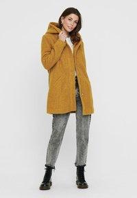 JDY - JDYSONYA - Classic coat - golden brown - 1