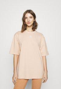 adidas Originals - TEE - Basic T-shirt - halo blush - 0