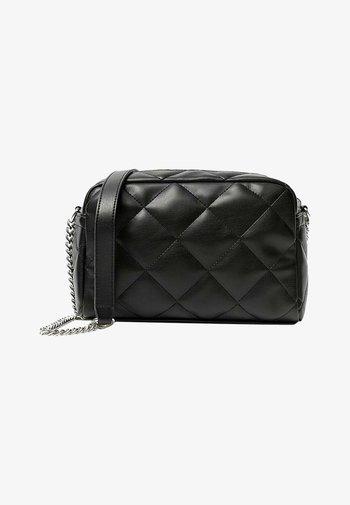 GESTEPPTE BASIC - Across body bag - black