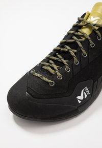 Millet - AMURI - Hiking shoes - black - 5