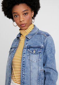 Hollister Co. - CLASSIC JACKET - Denim jacket - blue denim - 4