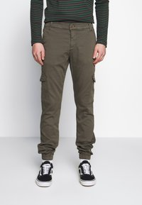 Cars Jeans - JEREZ - Cargo trousers - army - 0