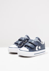 Converse - STAR PLAYER INFANT - Baby shoes - navy/white - 3