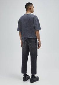 PULL&BEAR - Relaxed fit -farkut - mottled dark grey - 2
