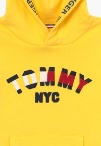 Tommy Hilfiger - GRAPHIC HOODED - Sweat à capuche - yellow - 3