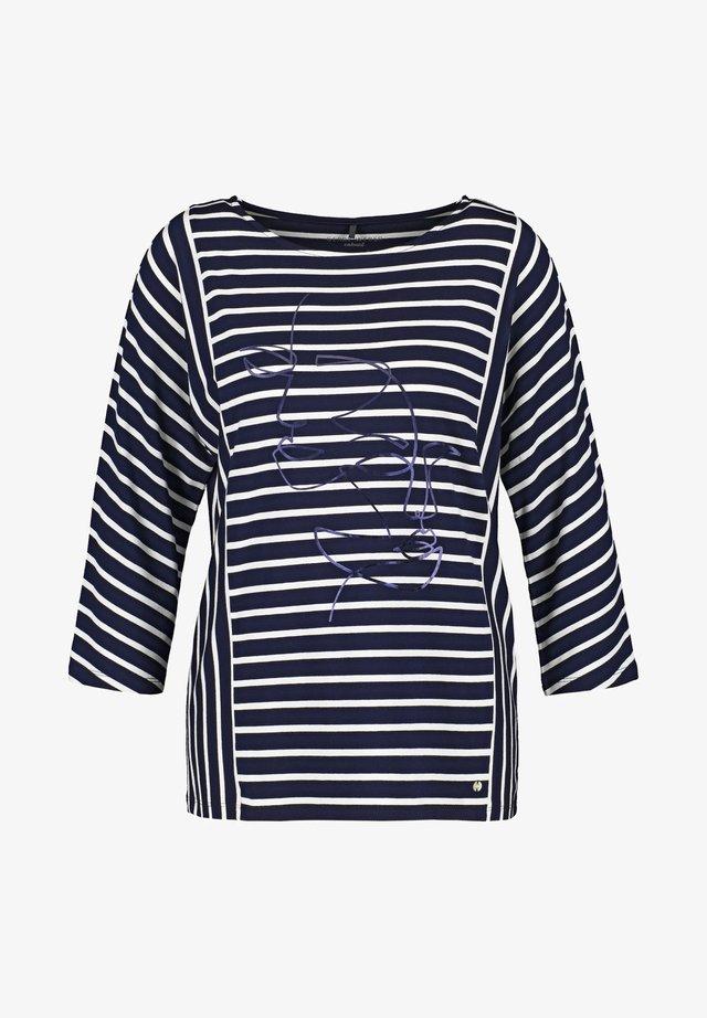 Long sleeved top - blue/beige/white