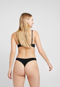 Anna Field - 10 PACK - Thong - black