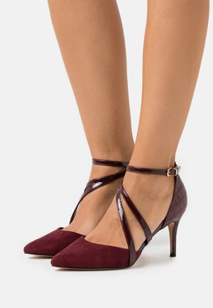 CARRIE - Classic heels - mulberry