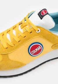 Colmar Originals - TRAVIS BOLD - Trainers - yellow/white - 5