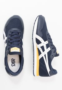 ASICS SportStyle - TIGER RUNNER UNISEX - Trainers - midnight/white - 1