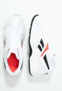 Reebok Classic - AZTREK 96 SUEDE AND TEXTILE UPPER SHOES - Baskets basses - white/porcelain/neon red - 1